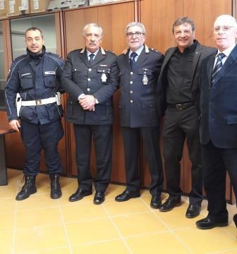 Commozione per il pensionamento del luogotenente Carmine Barbato