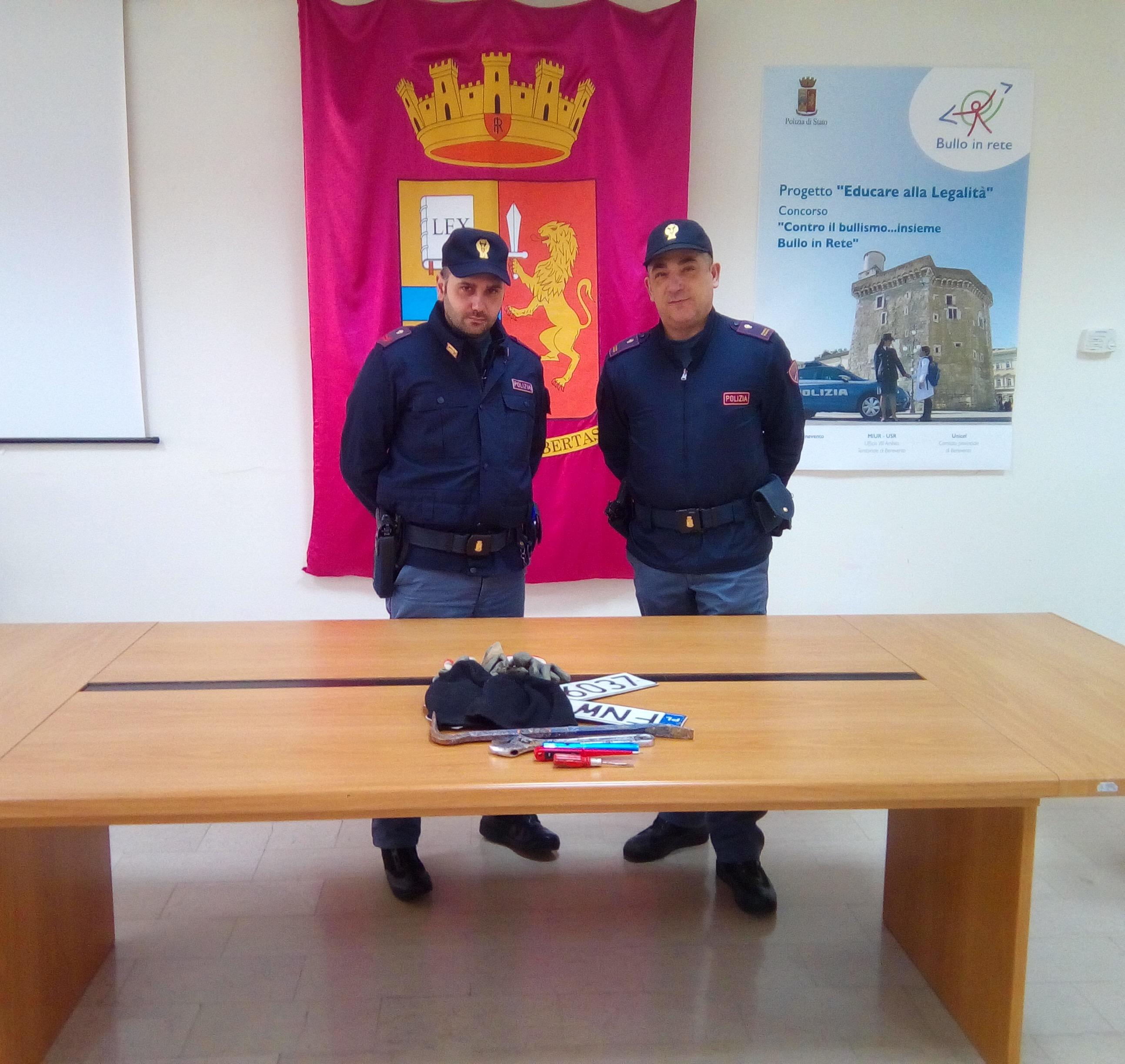 Benevento, ladri d'appartamento beccati dalla polizia