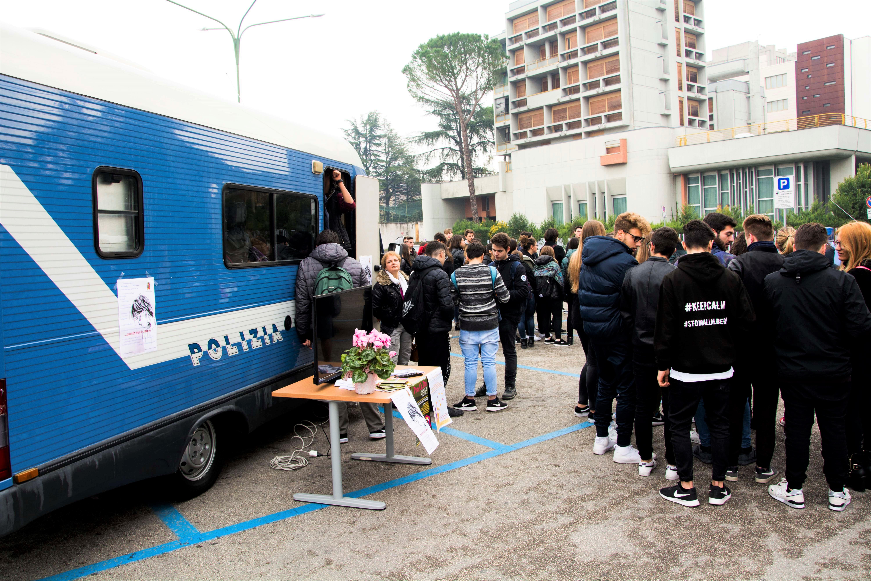 Nel giorno di San Valentino a Benevento il camper della Polizia per la campagna di sensibilizzazione contro la violenza di genere