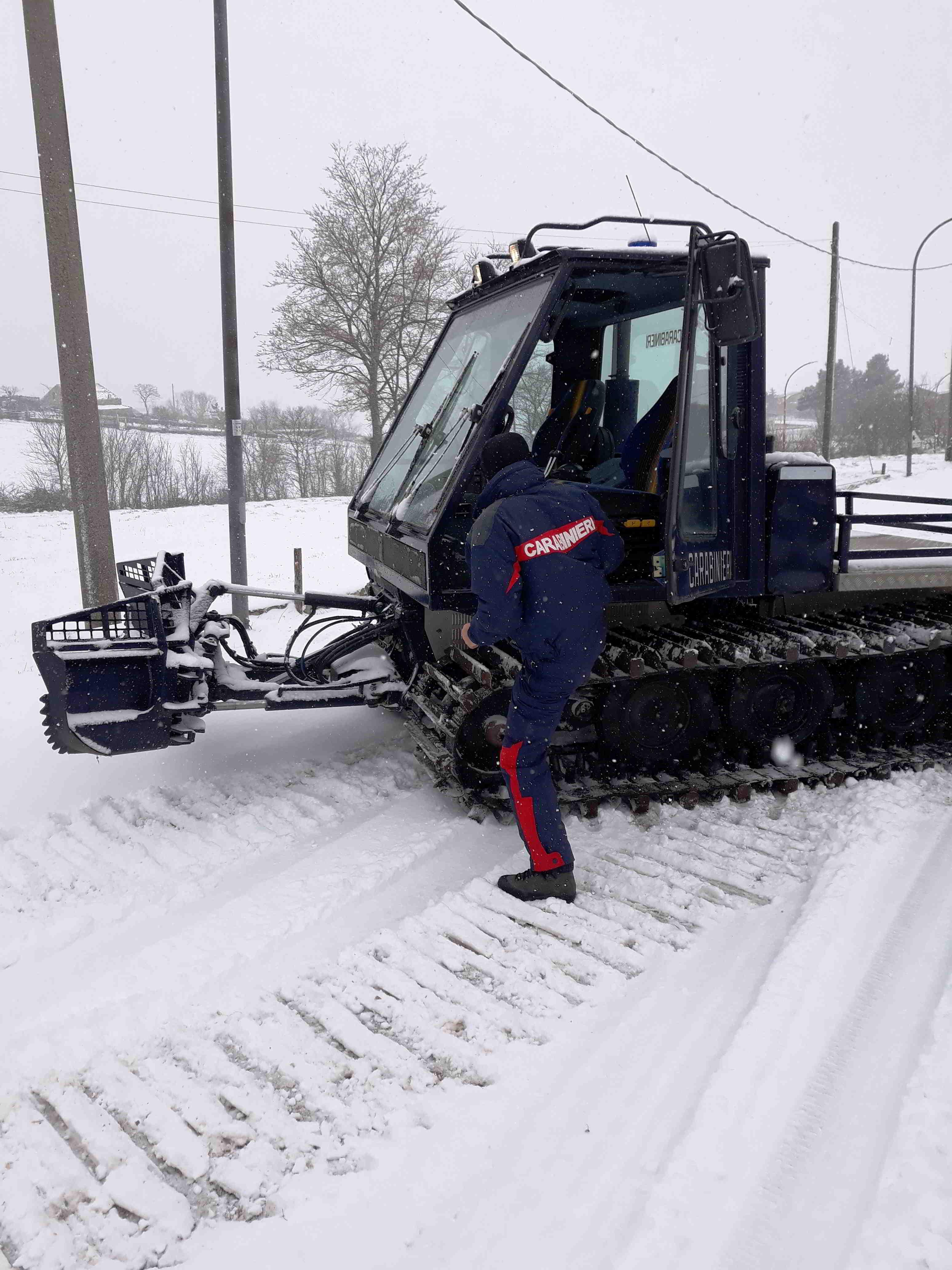 Piano neve, i Carabinieri pronti ad intervenire con mezzi speciali
