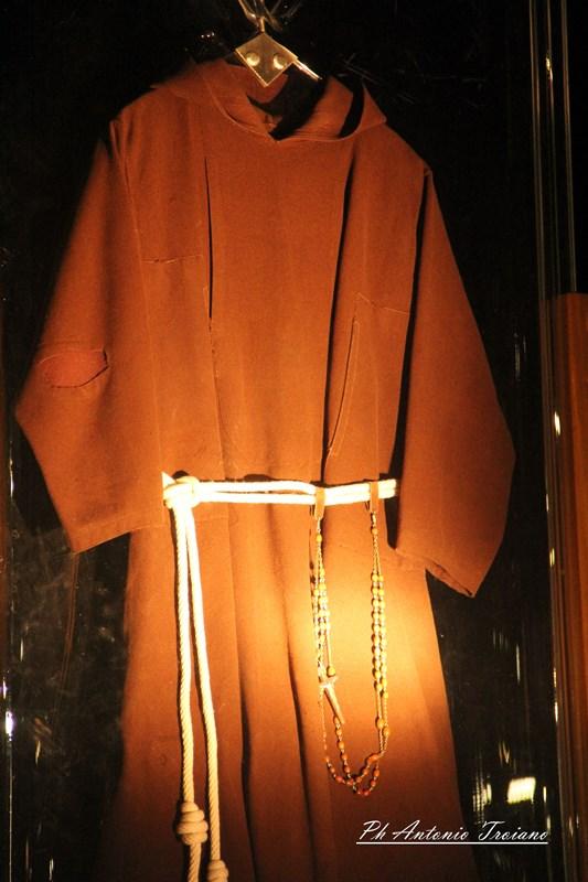 Il 6 aprile giungerá, nella Cattedrale di Benevento, l'abito delle stimmate di San Pio