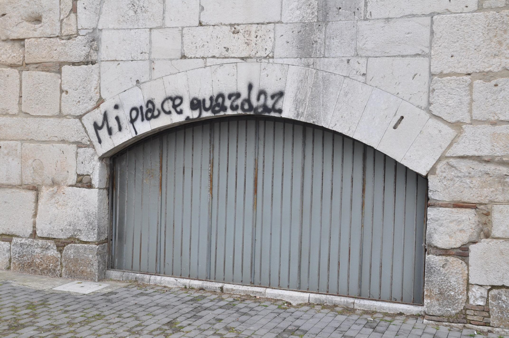 Ennesimo atto vandalico a danno della Rocca dei Rettori di Benevento