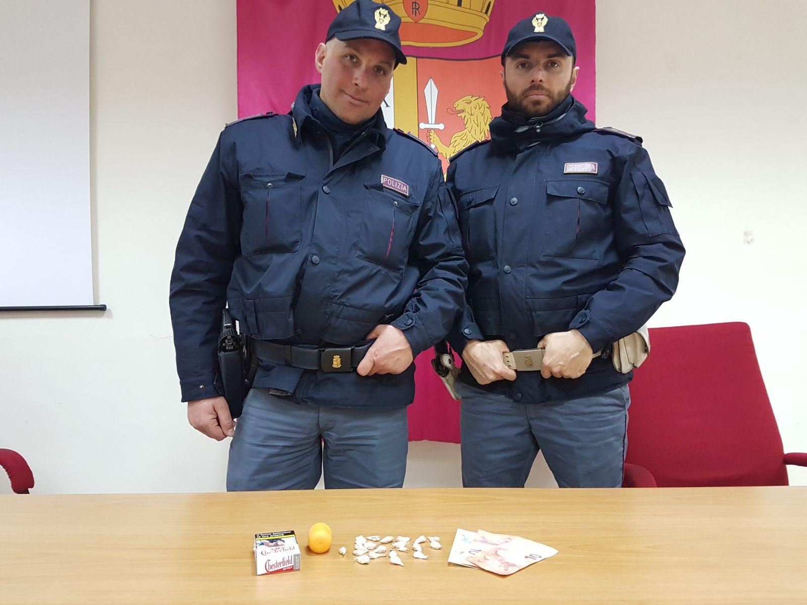 Piazza San Modesto: pusher arrestato dalla Polizia