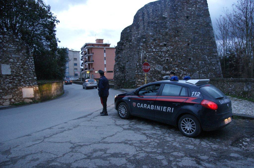 Benevento, minaccia operaio con pistola giocattolo. Denunciati due beneventani