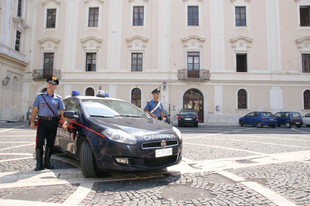 Benevento, arrestato extracomunitario che ubriaco infastidiva i passanti e feriva un carabiniere
