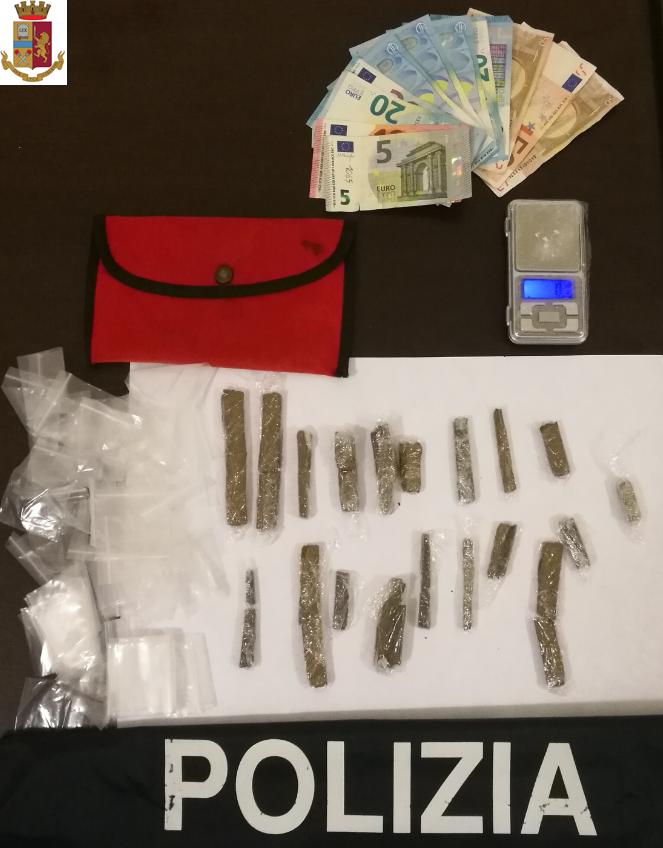 Sequestrati 100 grammi di hashish. Arrestata per spaccio una 42enne di Telese Terme