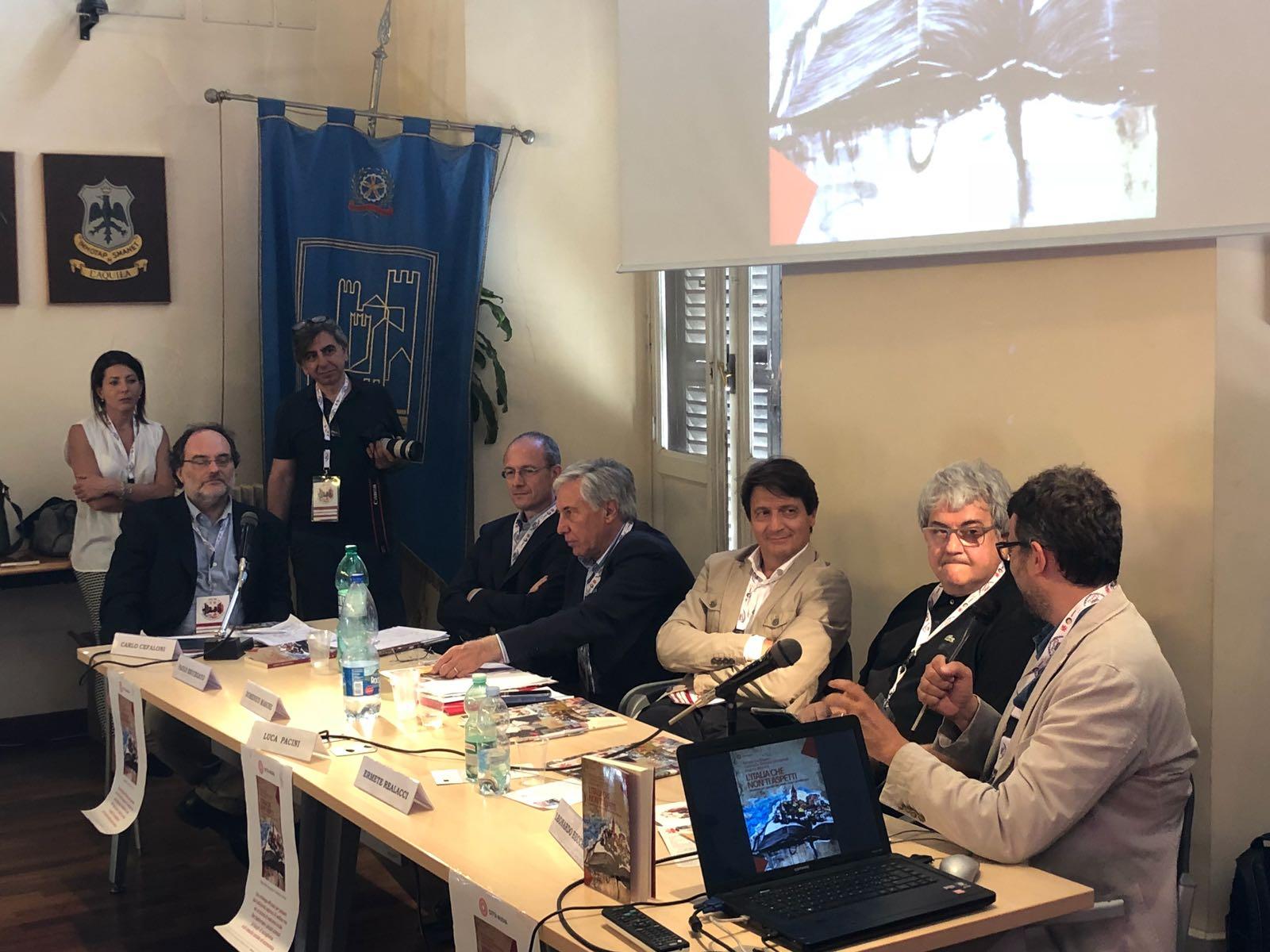 """Caritas, presentato il libro """"L'Italia che non ti aspetti. Manifesto per una rete dei piccoli Comuni del Welcome"""""""