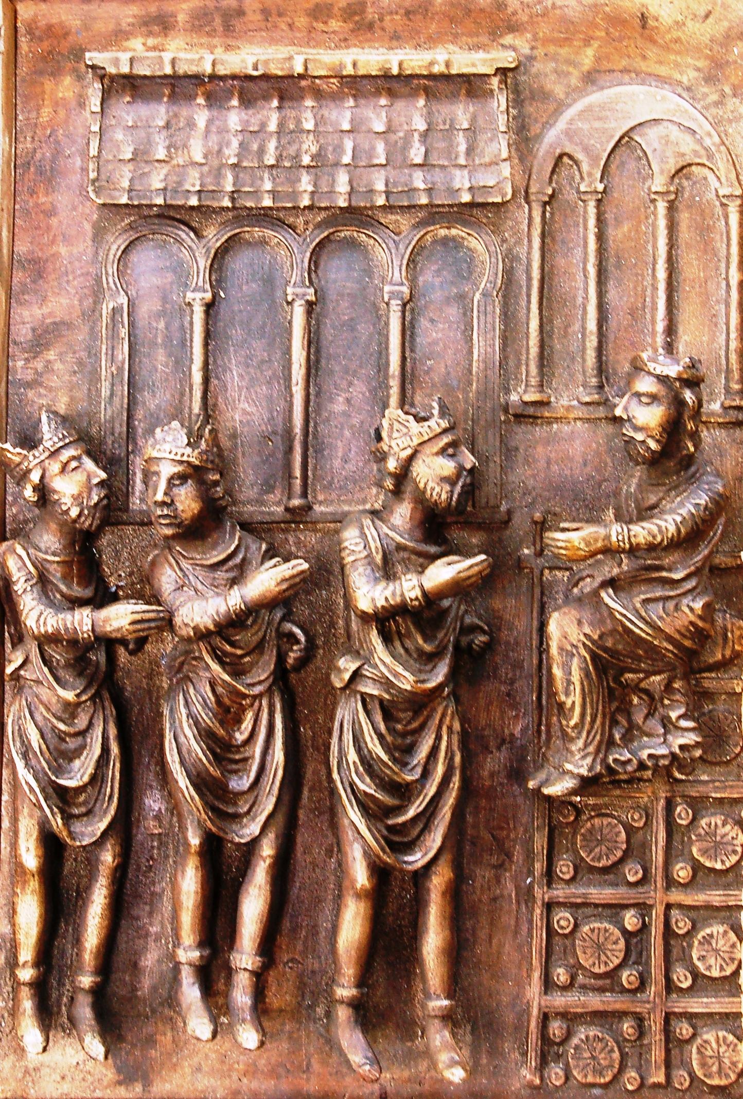 La porta di bronzo della cattedrale di Benevento in un saggio di Francesco Bove