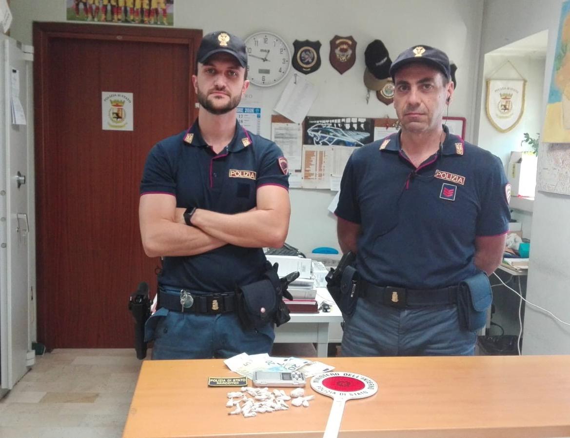 Droga nel deposito di un bar del rione Libertà di Benevento, tre arresti