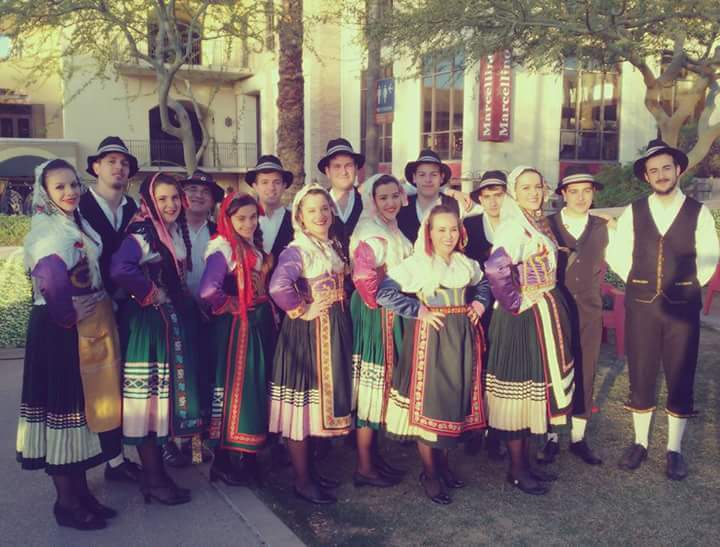 """Il gruppo folk """"A Ziarella"""" vola in Spagna per il Festival Internazionale Pineda de Mar"""
