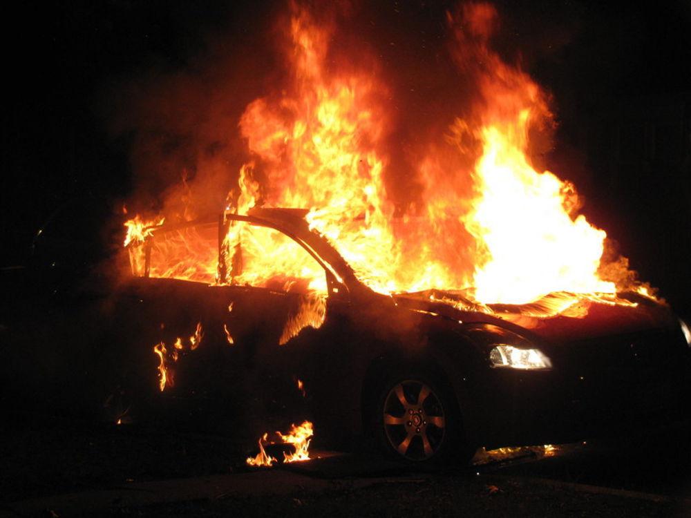 """Spari e auto incendiata a Bucciano, il nascente Presidio di Libera alle associazioni: """"Saremo accanto a chi continua a lottare e non vuole arrendersi"""""""