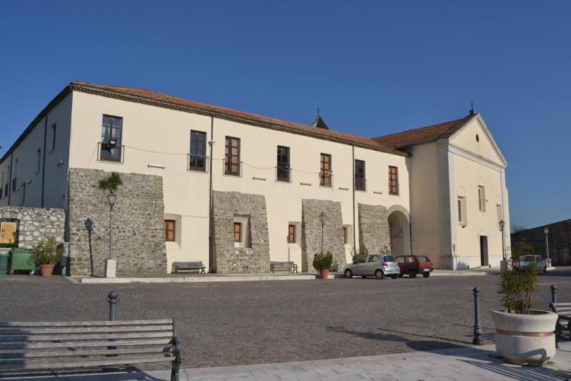 Il Consiglio di Stato conferma l'irregolarità del concorso per vicesegretario al Comune di Ceppaloni. Ricorso respinto