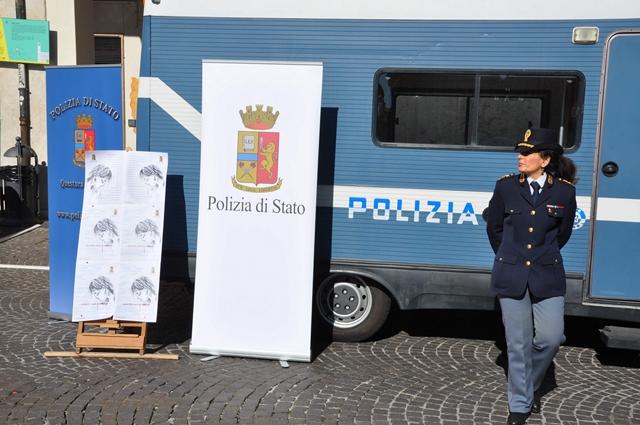 'Questo non è amore', a Benevento il camper della Polizia contro la violenza di genere