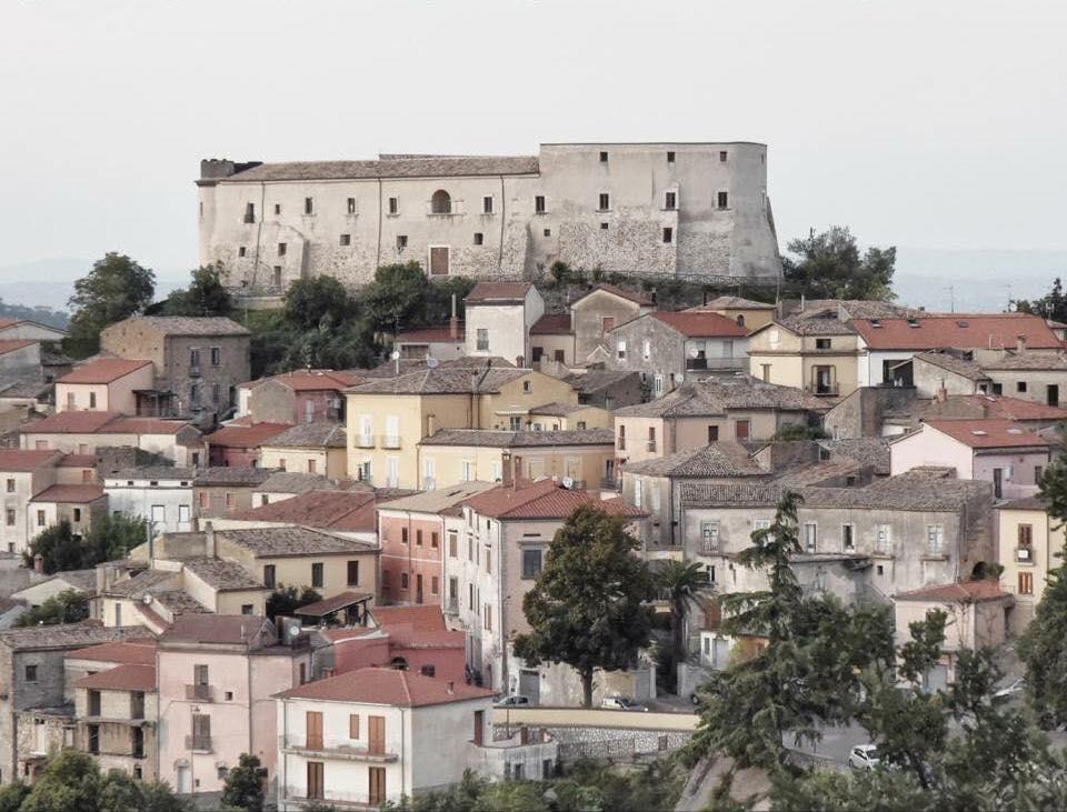 Ceppaloni, 260mila euro dal 'Piano Sport Periferie'. La felicità del sindaco De Blasio