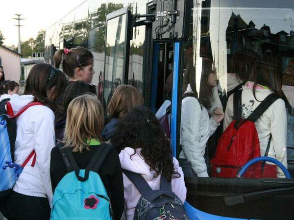 Trasporto casa-scuola, agevolazioni per gli studenti abbonati al servizio pubblico.