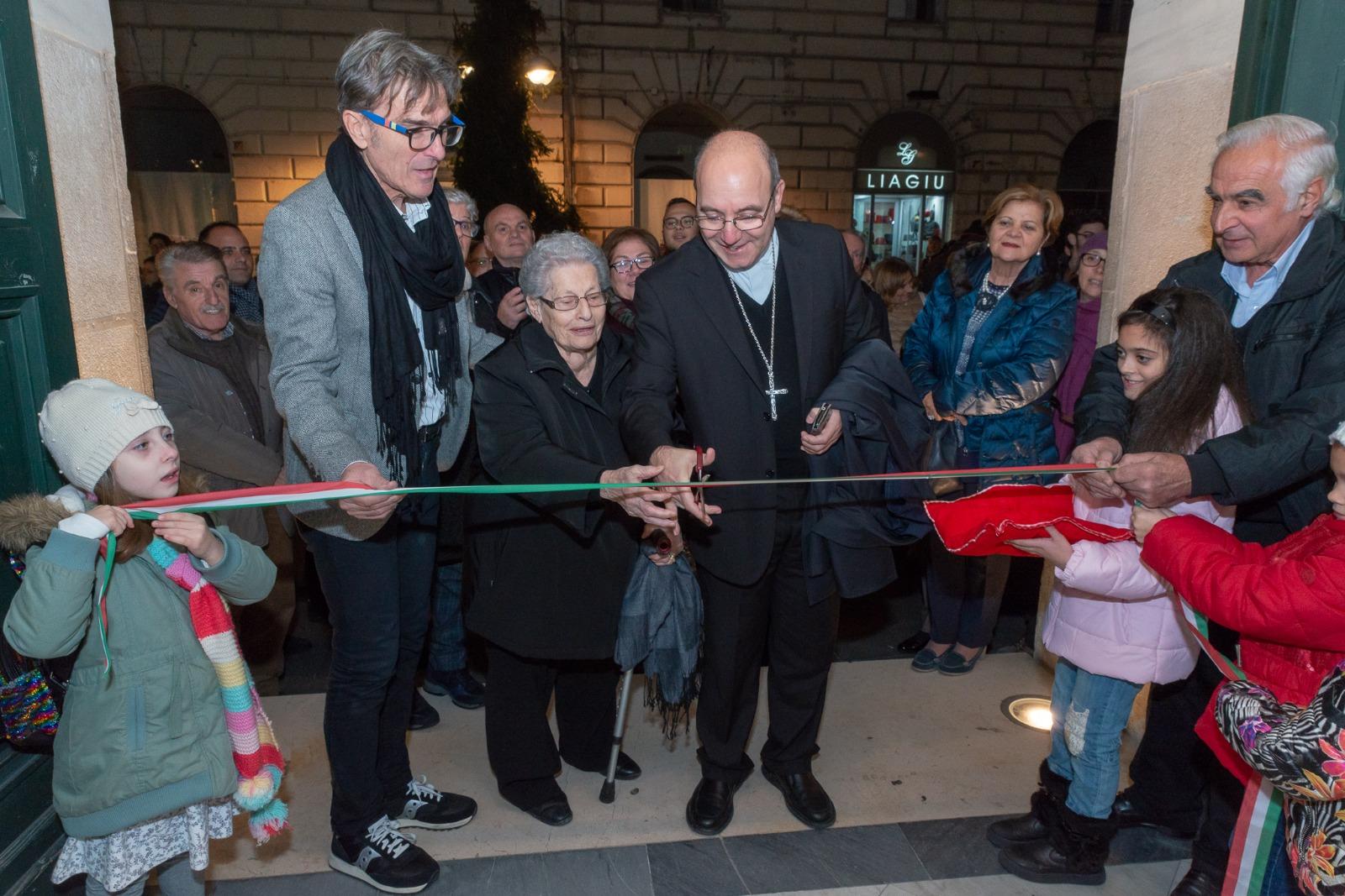 Benevento, inaugurata la mostra dei Presepi a Palazzo Paolo V visitabile sino al 9 dicembre