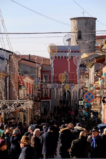 Le golose dolcezze di San Marco dei Cavoti hanno conquistato un pubblico incurante del freddo