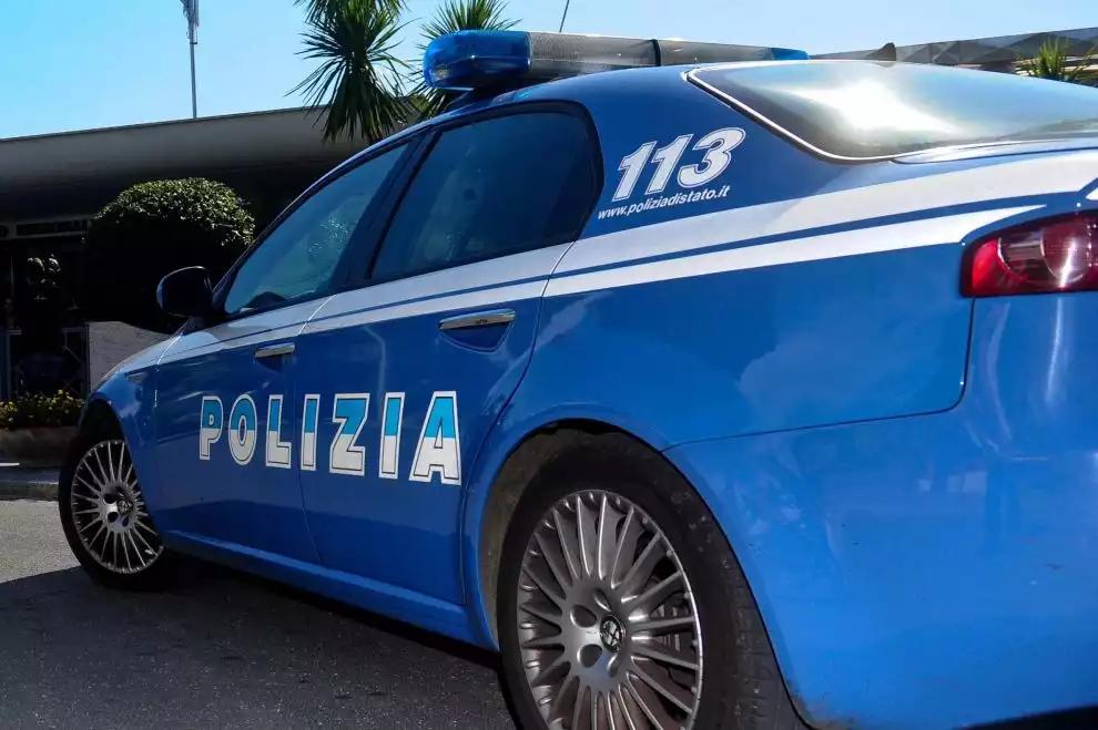 Beccati con cocaina negli slip, due pusher arrestati dalla Polizia