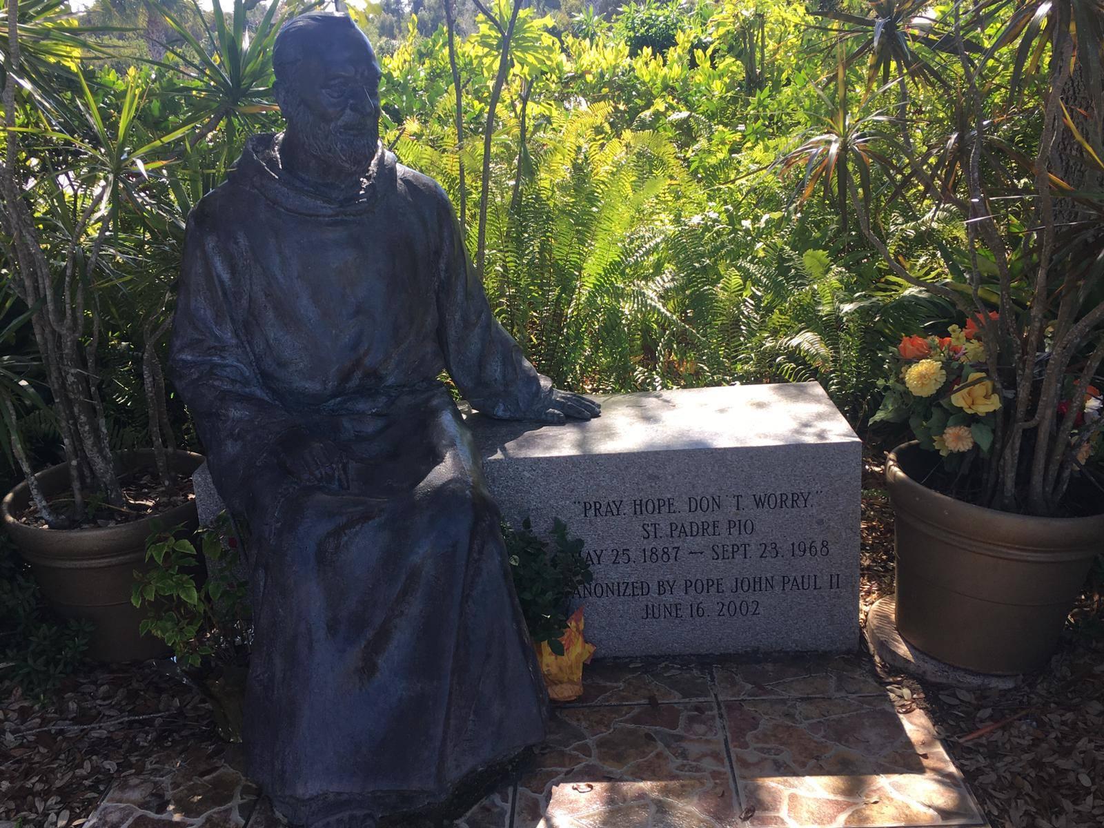 La Compagnia San Pio in Florida con Padre Pio e i marmi di Vitulano