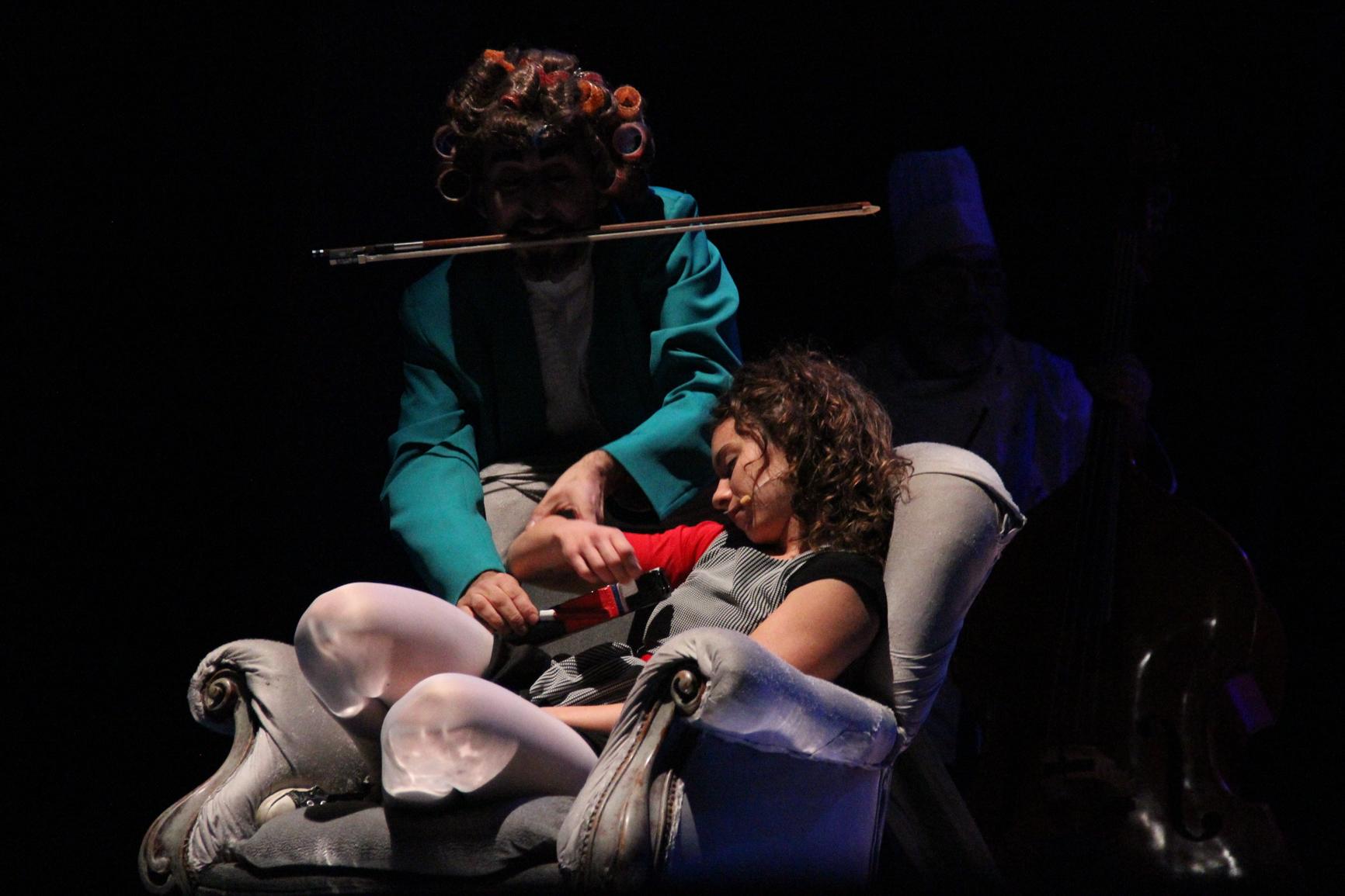 Teatro per bambini: domani va in scena, al De Simone di Benevento, 'Schiaccianoci Swing'