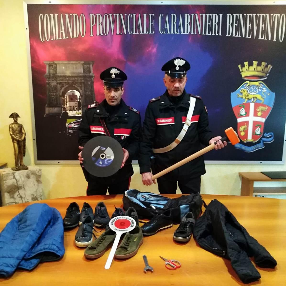 Tentano furto a gioielleria di un centro commerciale di Benevento. In manette due rumeni