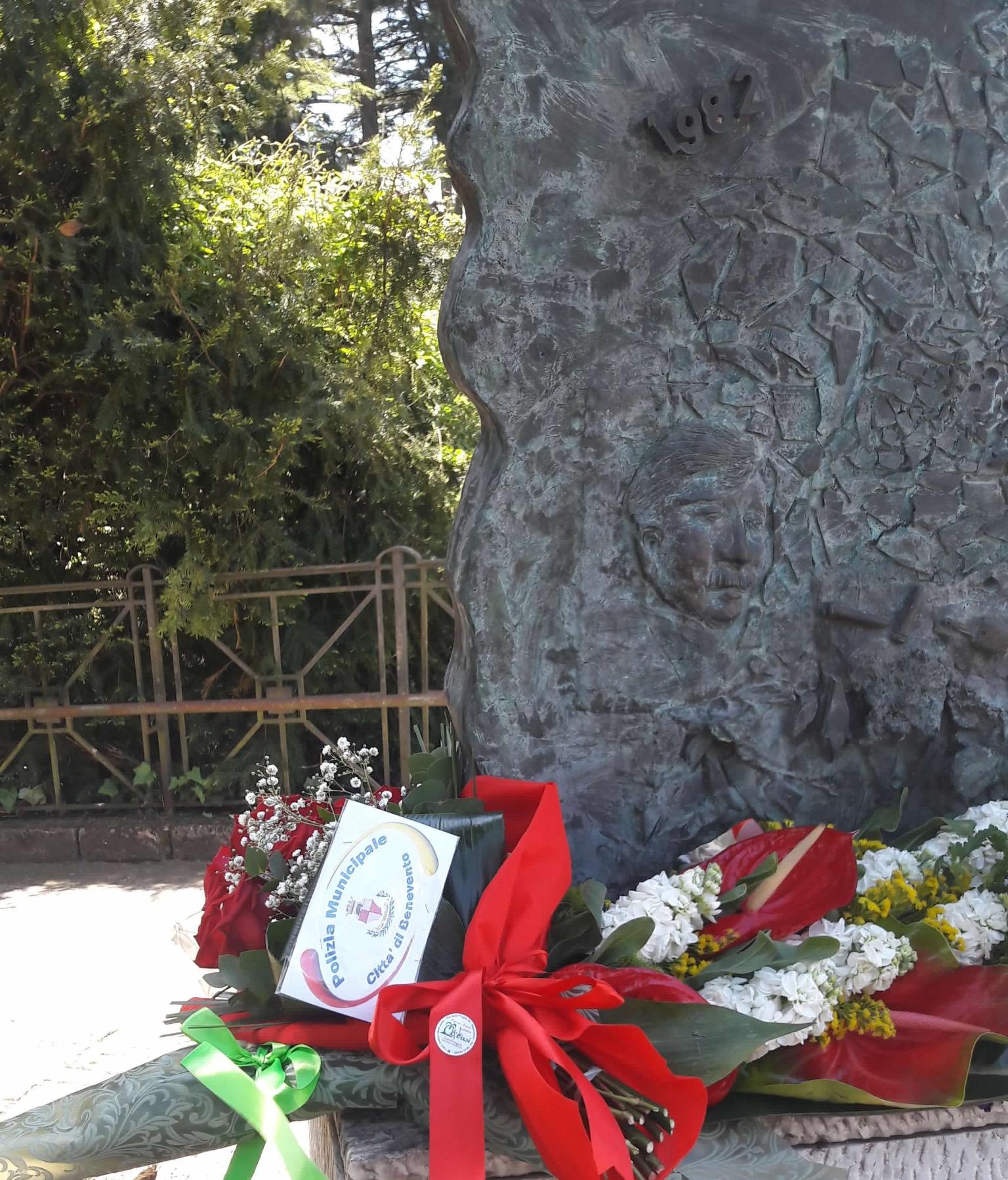 Benevento, le istituzioni cittadine ricordano l'assassinio Delcogliano e Iermano