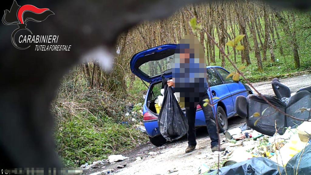 Montesarchio, abbandono illecito di rifiuti in aree rurali