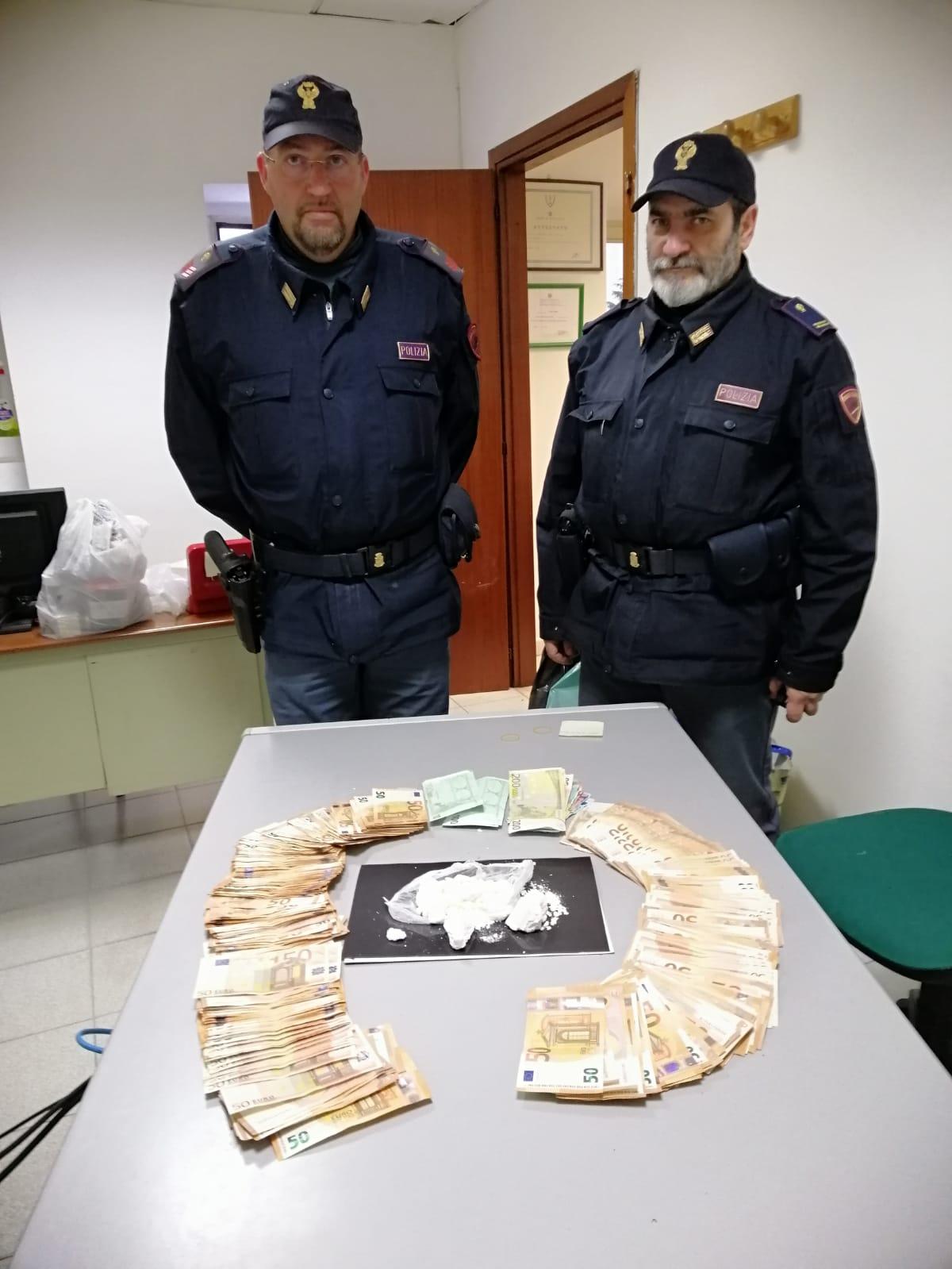 Spaccia con il cane, arrestato dalla Polizia nel rione Libertà di Benevento