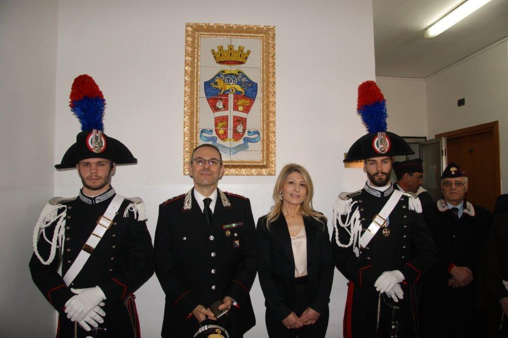San Bartolomeo, inaugurata la scultura donata ai Carabinieri dall'artista De Ieso