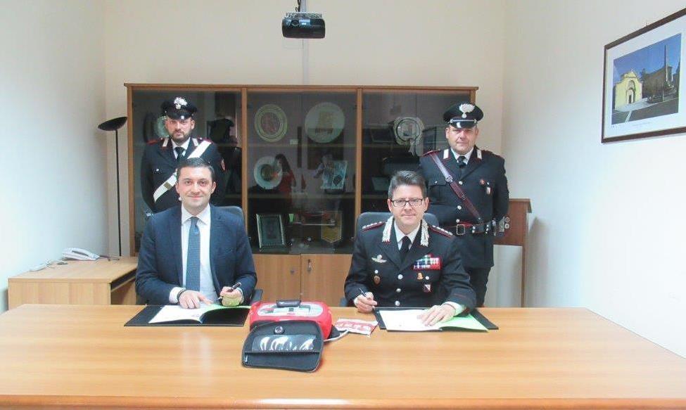 Accordo di collaborazione tra carabinieri e Croce Rossa per disponibilità defibrillatori