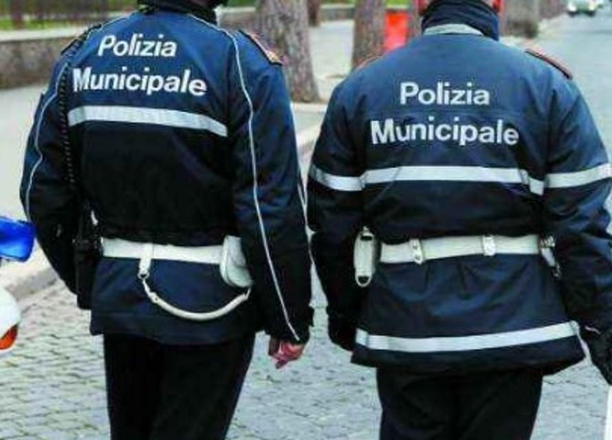 Benevento, rintracciati dalla Municipale gli autori della perdita d'olio in centro storico