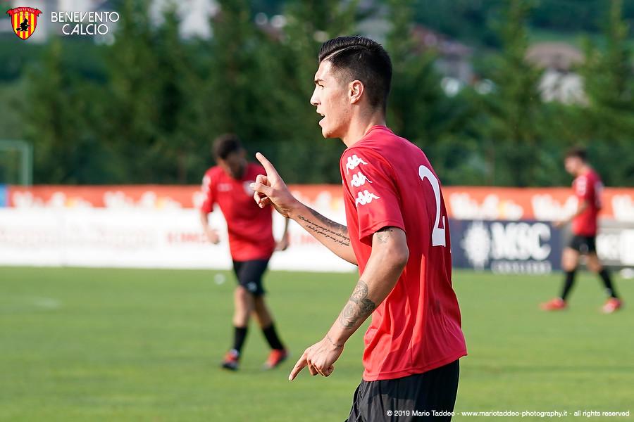 Il Benevento con un gol di Vokic supera nel finale un Napoli sperimentale e imbottito di baby