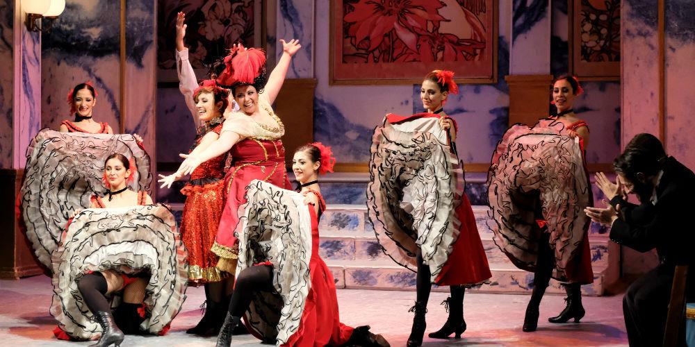 La stagione di lirica al Teatro Romano di Benevento si chiude sabato con la Vedova Allegra
