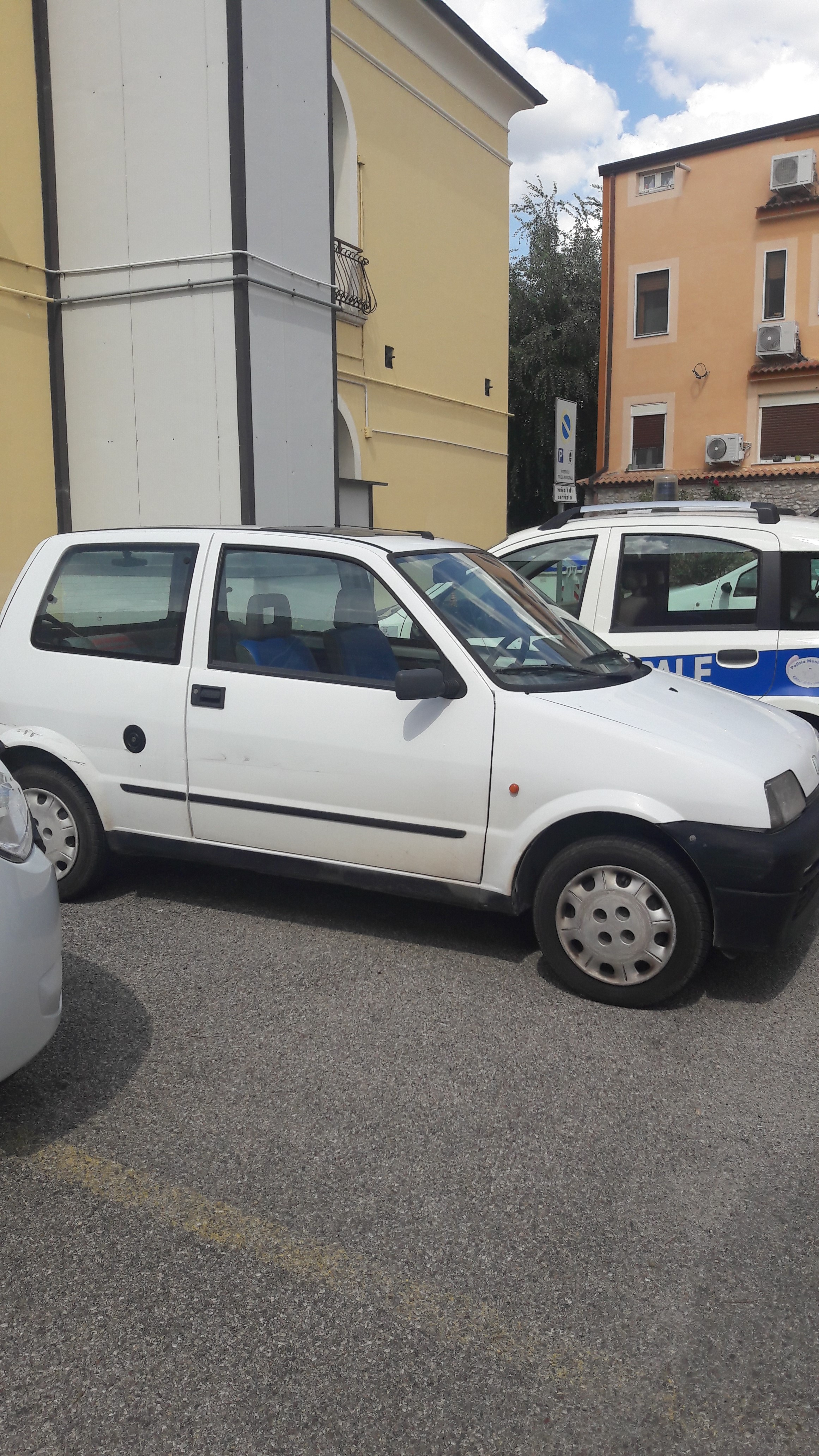 Benevento, rinvenuta auto rubata in viale Principe di Napoli