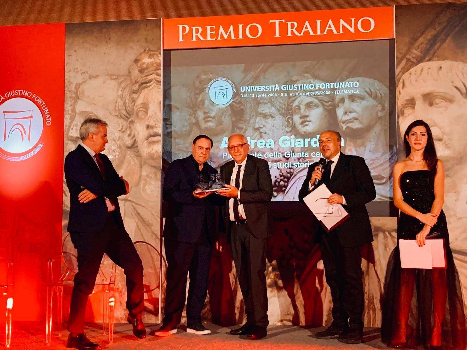 """Successo per il Premio Traiano. Giardina: """"Bellissimo riceverlo per uno storico romano"""""""