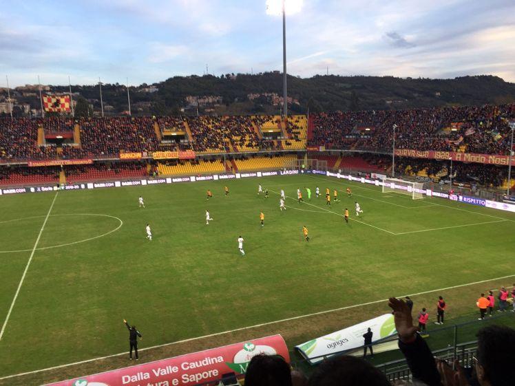 Benevento stangato dal giudice sportivo per i raccattapalle che tardavano a restituire i palloni