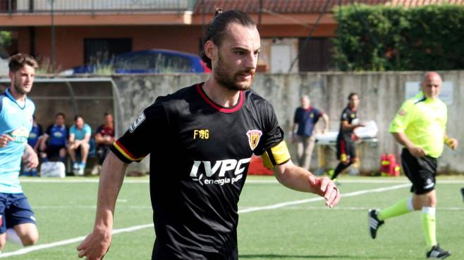 """L'ex Enrico Pezzi si iscrive al gruppo """"Distinti Ciro Vigorito"""", il suo cuore è rimasto giallorosso"""