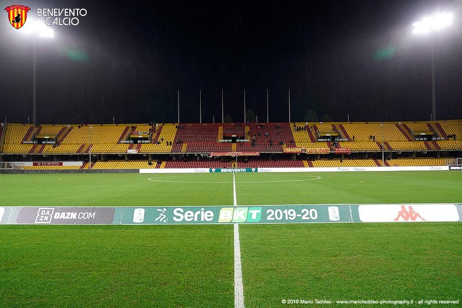 Il Benevento contro il Pisa sente profumo di serie A e va a caccia di nuovi record. Formazione, ballottaggio Moncini-Coda