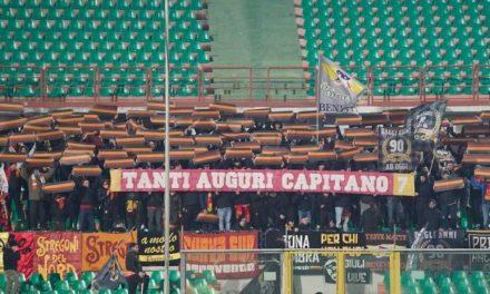 A Cosenza ricordato Carmelo Imbriani dai tifosi giallorossi per il suo compleanno, era nato il 10 febbraio