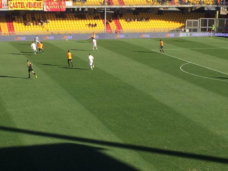 La B non si ferma ma fino al 3 aprile si gioca senza pubblico. Il Benevento col Pescara a porte chiuse