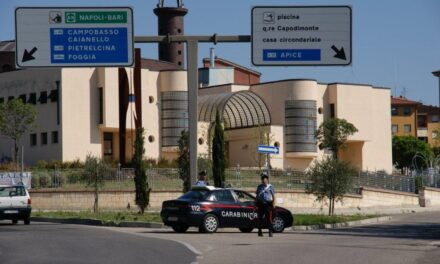 Benevento, lite tra coniugi finita con danni all'abitazione. 45enne in manette