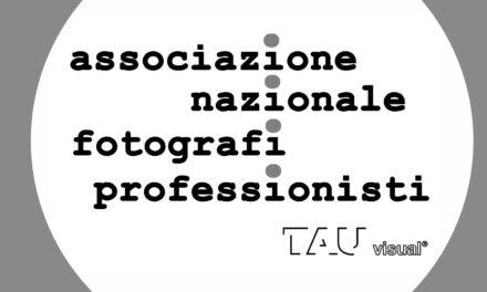 I fotografi sanniti illuminano l'Arco di Traiano con un flashmob il 21 luglio