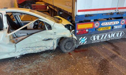 Benevento, incidente all'imbocco della galleria Avellola in direzione Stadio Vigorito l