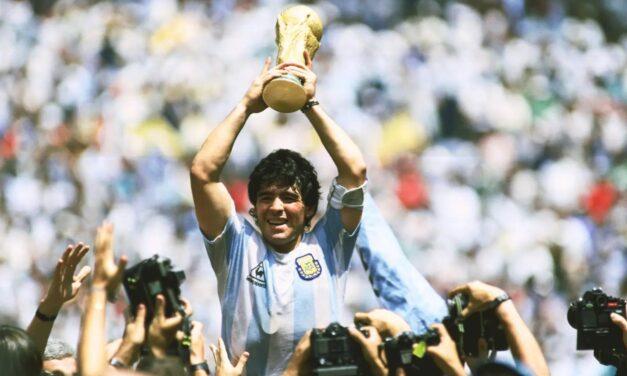 Il calcio piange Maradona: il ricordo del Benevento