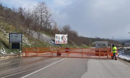 Chiusa al traffico la Fondo Valle Vitulanese al bivio di Castelpoto