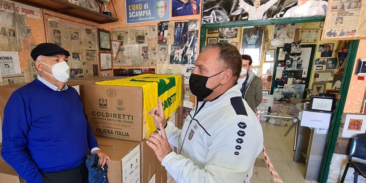 Pasqua, Coldiretti Campania consegna alimenti ai bisognosi
