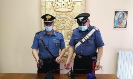 Montesarchio, i carabinieri inseguono e bloccano auto in fuga munita di lampeggiante