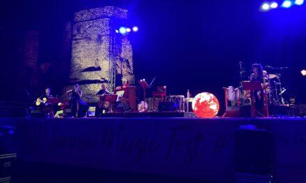 Sannio Music Fest#21, Tosca trionfa al teatro romano. Giovedì prossimo tributo a Mina