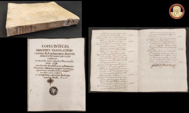 Tutela del patrimonio culturale, i Carabinieri restituiscono antichi volumi e un manoscritto all'Arcidiocesi di Benevento