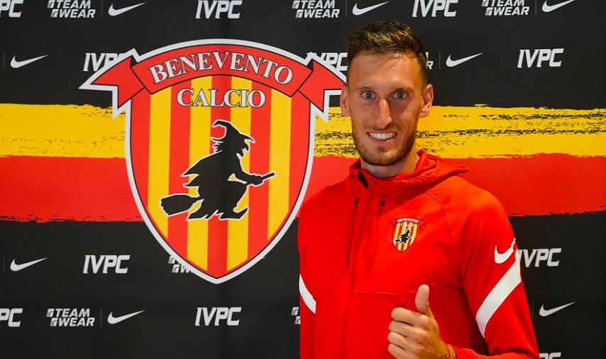Il Benevento batte un altro colpo: ufficiale l'acquisto di Paleari